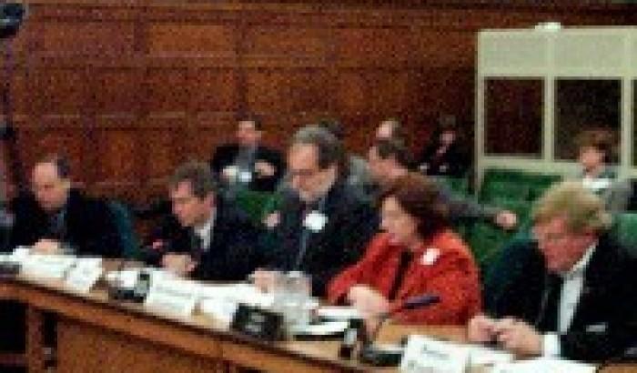 Le CRTC doit être aboliLe CPSC somme le Comité du patrimoine de faire ses devoirs