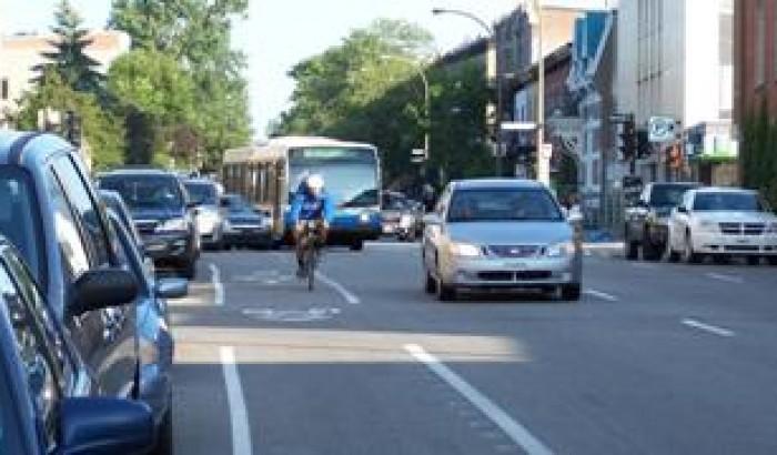 Rue Saint-Urbain, la piste cyclable est dangereuse