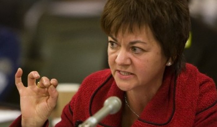 Compressions à MontréalLes cols blancs interpellent les élus municipaux