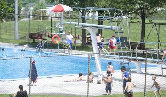 Baignade assurée dans les piscines publiques de Longueuil, de Boucherville et de Saint-Bruno-de-Montarville