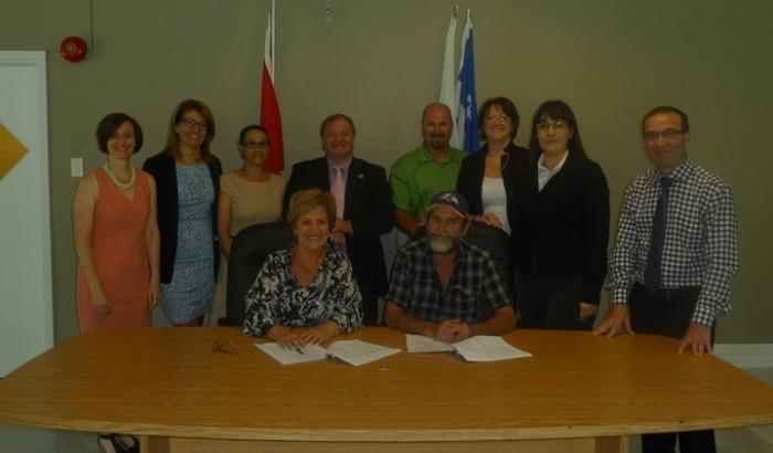 Les employés de la Ville de Sainte-Catherine approuvent une nouvelle convention collective