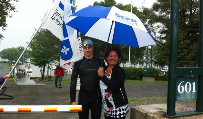 Vincent, 17 ans, nage de Montréal à Trois-Rivières pour faire connaître la dysphasie