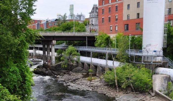 Une partie des installations de la centrale Abénaquis d'Hydro-Sherbrooke sur la rivière Magog au centre-ville de Sherbrooke