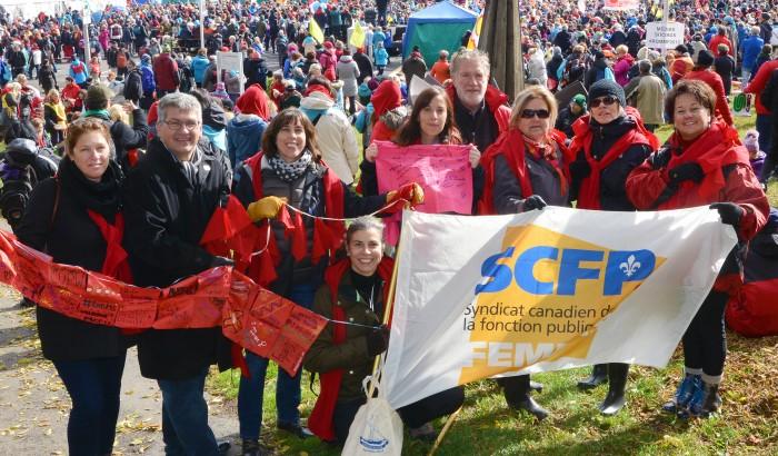 10,000 personnes dans les rues de Trois-Rivières pour la Marche mondiale des femmes au Québec