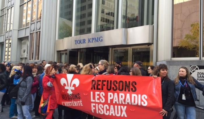 Des membres du Front commun occupent les bureaux de KPMG à Montréal