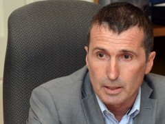 <span class='surtitre'>Négociation avec les cols blancs et cols bleus</span><br/>La Ville de Rosemère demande la conciliation