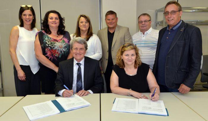 Secteur éducation10 000 travailleurs du SCFP signent