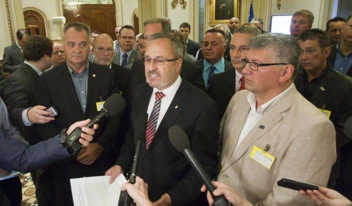 Début des audiences publiques sur le pacte fiscal: déclaration d'ouverture des principales organisations syndicales du Québec