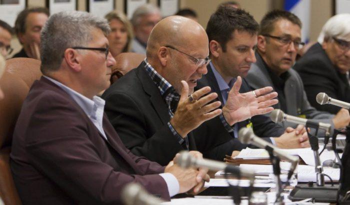 Consultations particulières et auditions publiques sur le pacte fiscalLe SCFP a remis les pendules à l'heure
