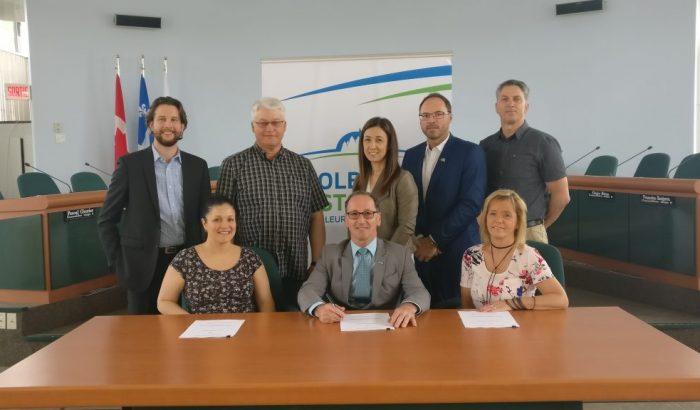 Une première convention collective pour les sauveteurs/moniteurs de la ville de Dolbeau-Mistassini