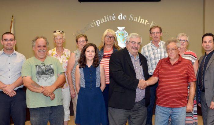 Une première convention collective pour les cols blancs et cols bleus de Saint-Esprit