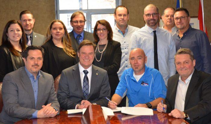 Signature d'une nouvelle convention pour les cols bleus de Châteauguay