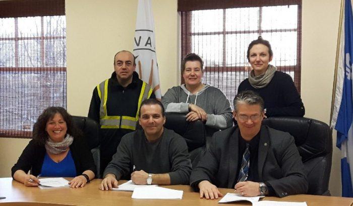 Signature d'une nouvelle convention à Val-des-Lacs