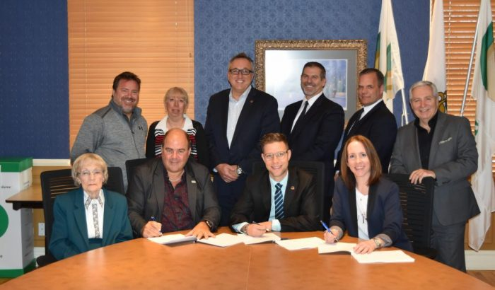 Signature d'une convention collective pour les brigadières de Mascouche