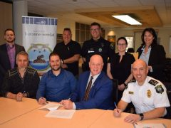 Les policières et les policiers de Wendake signent pour cinq ans