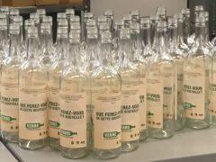 <span class=&#039;surtitre&#039;>Messieurs et Mesdames les Députés, que ferez-vous de cette bouteille?</span><br/>Livraison de bouteilles de vin vides à tous les députés de l'Assemblée nationale