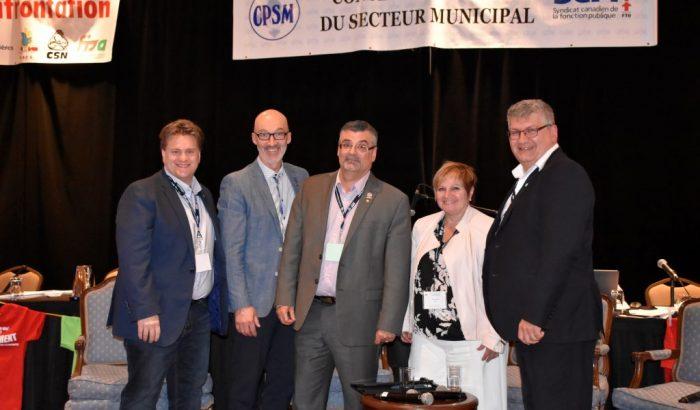 Forum des mairesses et maires au congrès du CPSMÉlu-e-s et employé-e-s municipaux discutent de leur vision des services publics