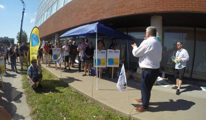 Réseau de la santé et des services sociaux – Les professionnels et techniciens se font entendre dans l'Est de Montréal