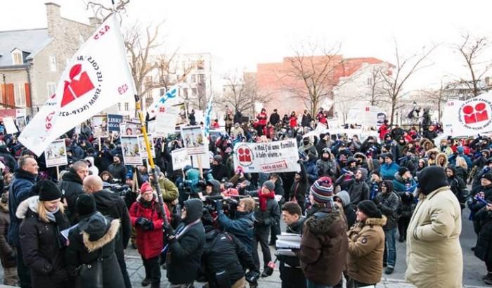 Les 8000 cols blancs de Montréal en grève la semaine prochaine