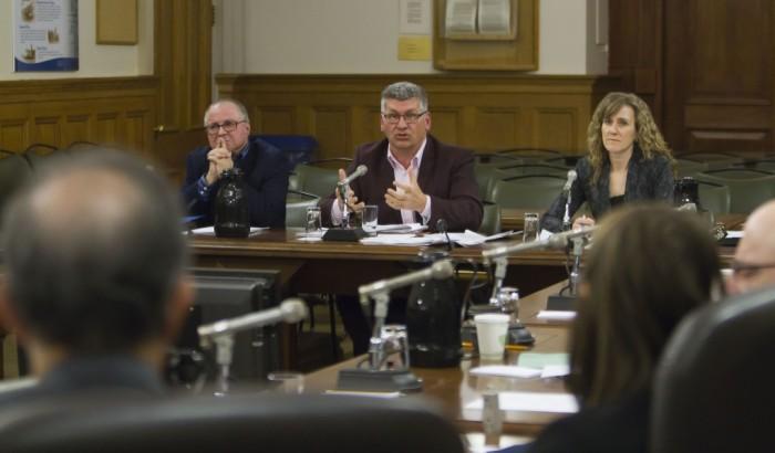 « Les municipalités doivent être visées par l'application »Commission parlementaire sur le projet de loi sur la divulgation d'actes répréhensibles